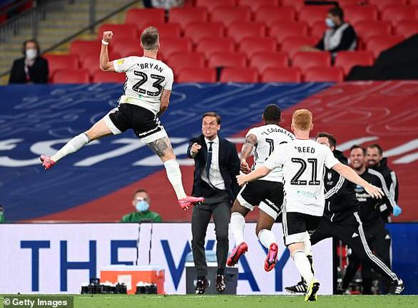 Thắng trận cầu trị giá gần 5.100 tỉ đồng, Fulham giành vé trở lại Premier League - Ảnh 3.