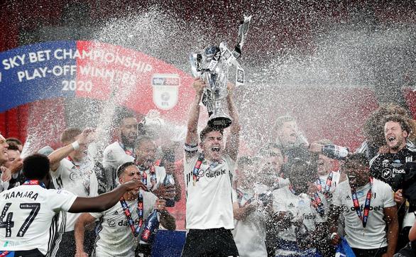 Thắng trận cầu trị giá gần 5.100 tỉ đồng, Fulham giành vé trở lại Premier League - Ảnh 1.