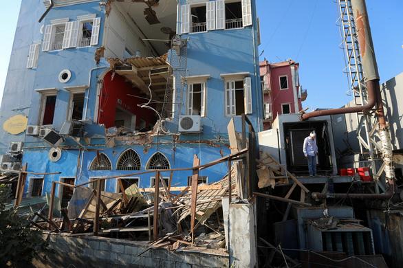 Nhân chứng vụ nổ ở Lebanon: Tôi bị thổi văng ra mấy mét - Ảnh 4.