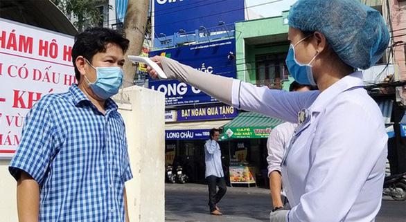 25 bác sĩ, điều dưỡng, kỹ thuật viên Bình Định hỗ trợ Đà Nẵng chống COVID-19 - Ảnh 1.
