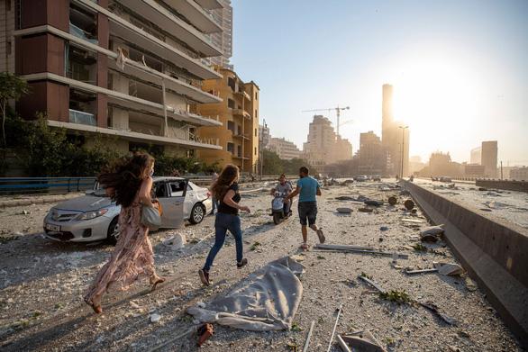 Toàn cảnh vụ nổ ở Lebanon: Vì sao có đám mây hình nấm như bom nguyên tử? - Ảnh 6.