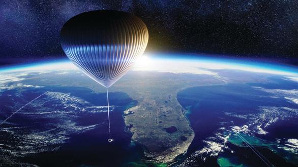 Gần 3 tỉ đồng cho chuyến du hành ngắm vũ trụ 360 độ - Ảnh 1.