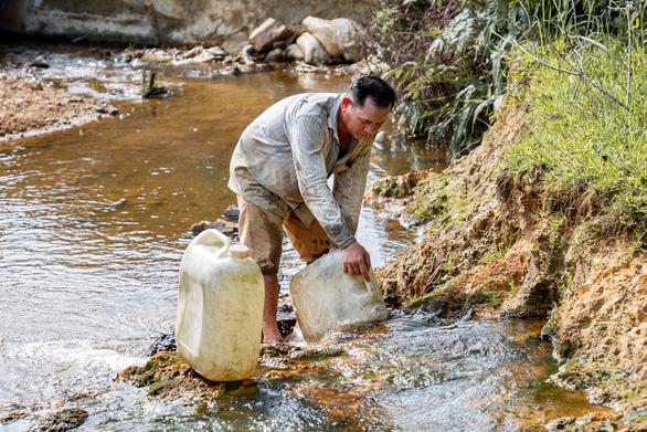 Cuộc sống huyện miền núi xứ Huế ngày có nước sạch - Ảnh 2.