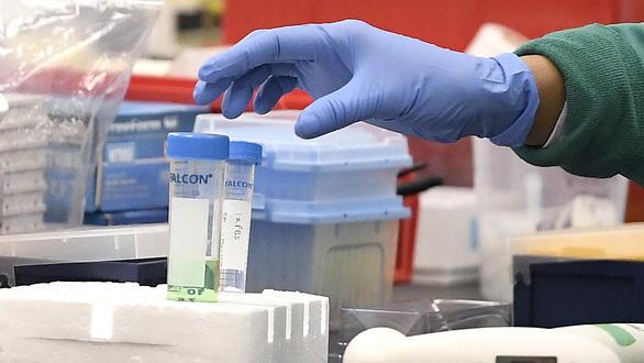 Vắc xin COVID-19 do Đức, Trung Quốc phát triển được thử nghiệm tại Trung Quốc - Ảnh 1.