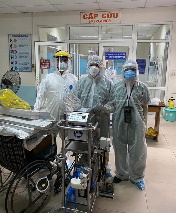 Bác sĩ Trần Thanh Linh: 'Dốc sức cứu người bệnh, hết dịch COVID-19 mới về' - Ảnh 2.