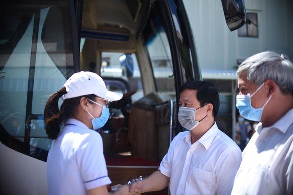 25 y bác sĩ Bình Định lên đường ra Đà Nẵng: Vững niềm tin chiến thắng dịch - Ảnh 6.