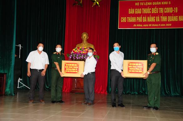 Lô thuốc điều trị SARS-CoV-2 đã tới Đà Nẵng và Quảng Nam - Ảnh 1.