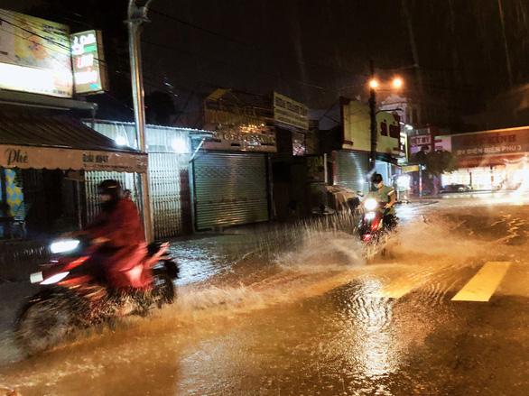 Tháng 8 mưa tăng nhưng lũ miền Tây vẫn không về sớm - Ảnh 1.
