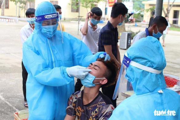 Về từ Hà Nội không khai báo y tế, người đàn ông ở Nghệ An bị phạt 1 triệu đồng - Ảnh 1.