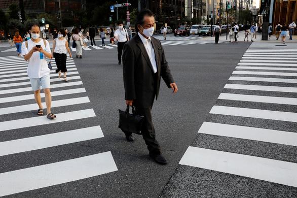 Bùng phát dịch lần 2 ở Nhật, ông Abe kêu gọi dân bình tĩnh, áp dụng 3C - Ảnh 1.
