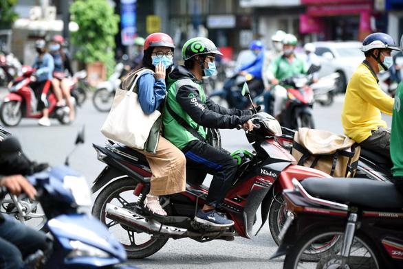 Gojek chính thức hoạt động tại Việt Nam: Tài xế vui vẻ, khách hàng hài lòng - Ảnh 8.
