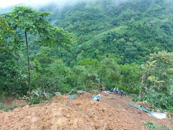 Sạt lở đất ở Lào Cai, hai vợ chồng tử vong - Ảnh 1.