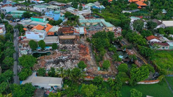 Đã tháo dỡ khoảng 90% diện tích vi phạm của Gia Trang resort - Ảnh 2.