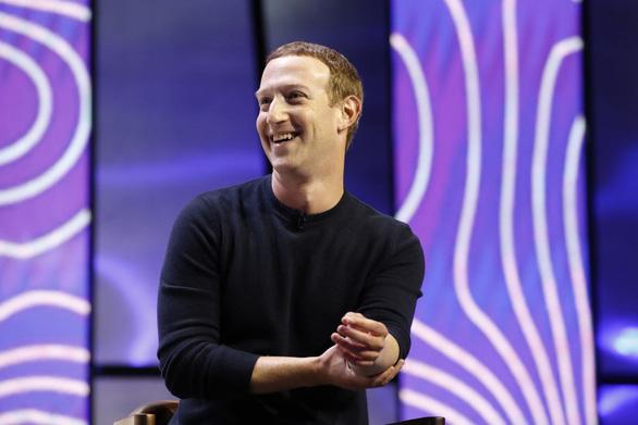 Tài sản của ông chủ Facebook vượt 100 tỉ USD - Ảnh 1.