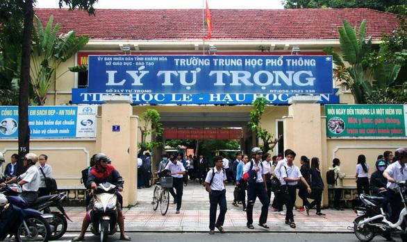 Thi tuyển lớp 10 Khánh Hòa: Không đủ thí sinh để tuyển vẫn phải tổ chức thi - Ảnh 1.