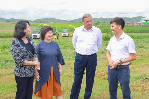 Phó chủ tịch nước ấn tượng với sự phát triển của miền Tây xứ Nghệ - Ảnh 3.