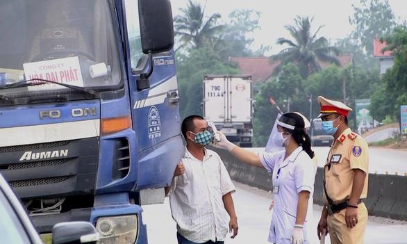 Bác sĩ mắc COVID-19 và bệnh nhân 750 từng đi nhiều nơi ở Huế, Đà Nẵng, Quảng Trị - Ảnh 1.