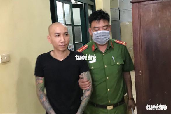 Vợ chồng Phú Lê bị điều tra thêm tội gây rối trật tự công cộng - Ảnh 1.