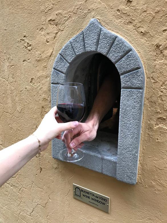 Ý khôi phục hố rượu vang thời Phục hưng để phục vụ thực khách thời COVID-19 - Ảnh 5.