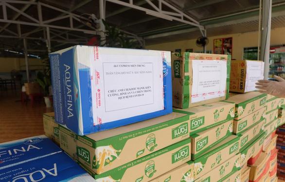 Chuyển phát nhanh J&T Express tiếp sức cho y bác sĩ Đà Nẵng - Ảnh 3.