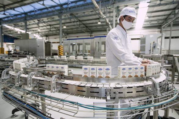 Thương hiệu trị giá hơn 2,4 tỉ USD, Vinamilk dẫn đầu ngành thực phẩm đồ uống - Ảnh 1.