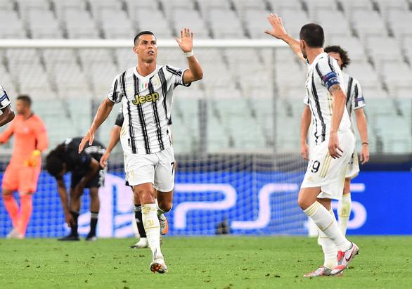 Ronaldo ghi hai bàn, Juventus vẫn bị Lyon loại ở Champions League - Ảnh 3.