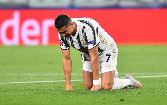 Ronaldo ghi hai bàn, Juventus vẫn bị Lyon loại ở Champions League - Ảnh 4.