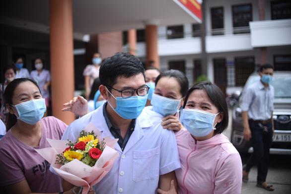 Thêm 10 cán bộ y tế từ Bình Định chi viện Quảng Nam chống dịch - Ảnh 2.