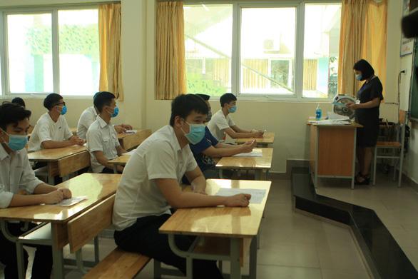 Hơn 26.000 thí sinh không thi tốt nghiệp THPT đợt 1 do ảnh hưởng COVID-19 - Ảnh 1.