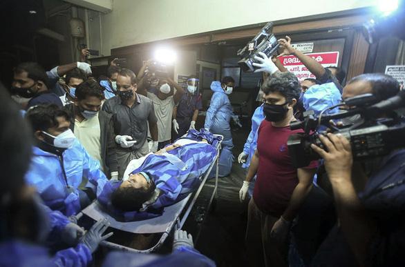 Về nước tránh dịch lại gặp tai nạn máy bay, ít nhất 17 người thiệt mạng - Ảnh 1.