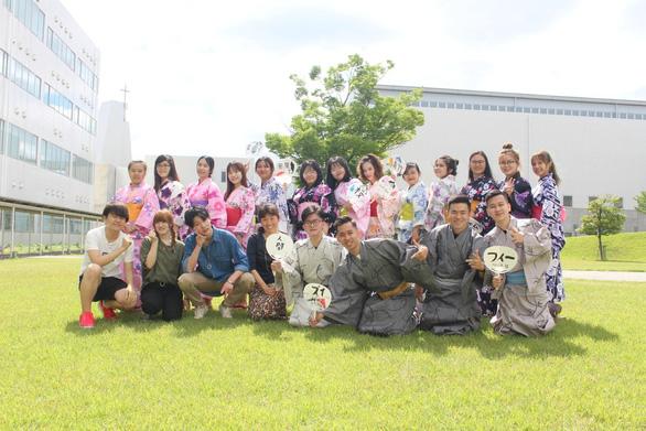 UEF và câu chuyện chăm sóc sinh viên - Ảnh 7.