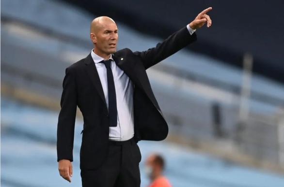 HLV Zinedine Zidane: Không việc gì phải trách móc Varane - Ảnh 1.