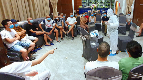 Chi viện cho Quảng Nam, Đà Nẵng: Nhiều y bác sĩ tiếp tục lên đường - Ảnh 1.