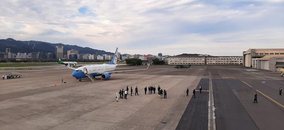 Bộ trưởng Mỹ tới Đài Loan, bắt đầu chuyến thăm học hỏi kinh nghiệm chống dịch - Ảnh 1.
