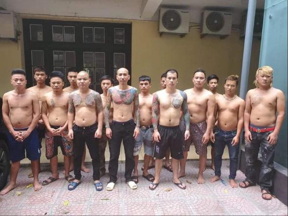 Khởi tố vụ Phú Lê chỉ đạo đàn em đánh người nhà Đào Chile nhập viện - Ảnh 1.