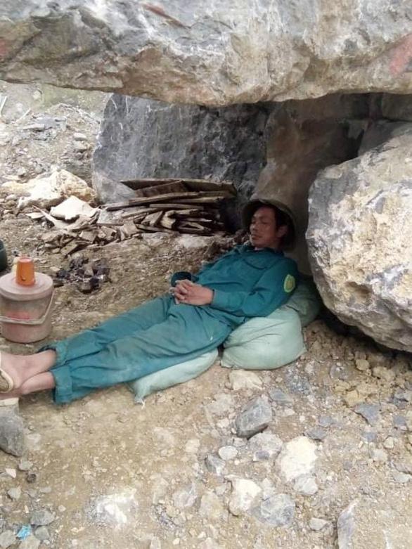 Nhọc nhằn đời phu đá - Kỳ 2: Mồ hôi thấm vào đá - Ảnh 1.