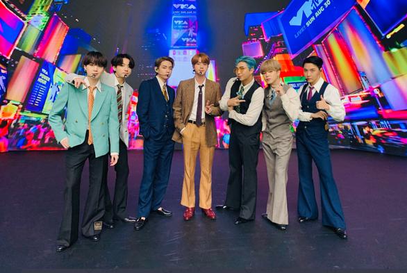 Tổng thống Hàn Quốc ca ngợi BTS làm nên lịch sử khi thành quán quân Billboard - Ảnh 2.