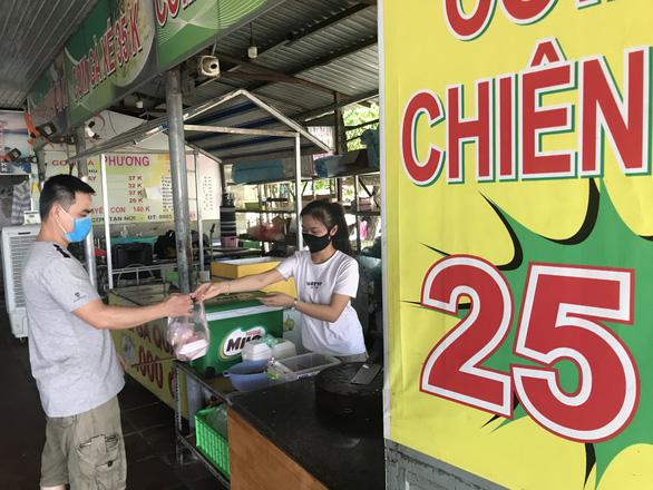 Từ sáng nay 11-9, Đà Nẵng cho phép nhà hàng, quán ăn tại chỗ hoạt động trở lại - Ảnh 1.
