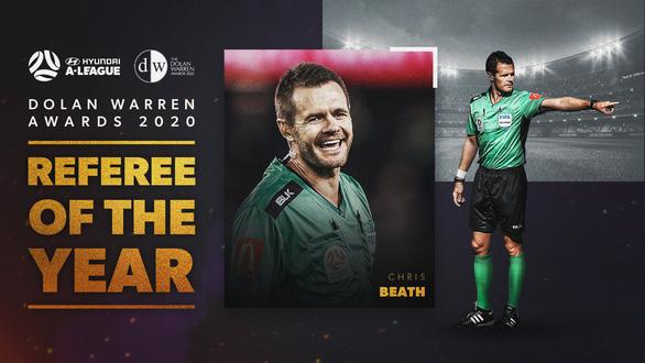 Người từng gây tranh cãi liên quan U23 Việt Nam nhận giải Trọng tài xuất sắc nhất năm ở Úc - Ảnh 1.