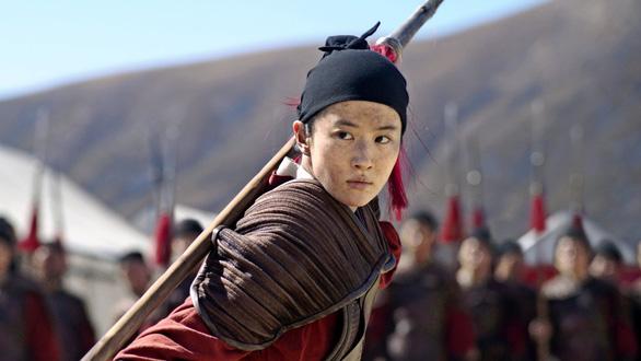 Trung Quốc chỉ thị truyền thông không đưa tin về phim Mulan? - Ảnh 1.