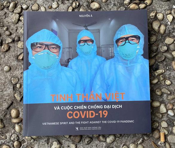 Hành trình COVID-19 qua ống kính Nguyễn Á - Ảnh 1.