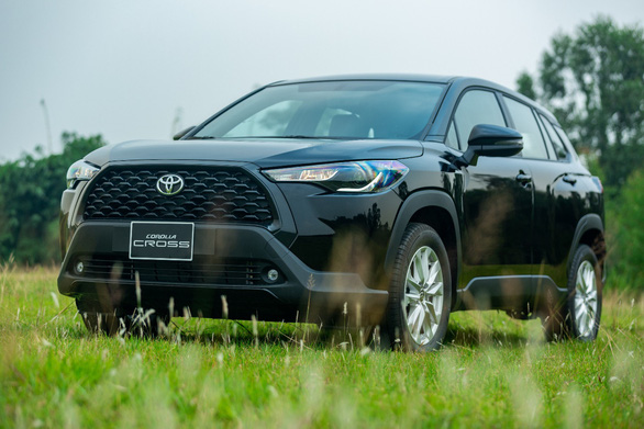 Toyota Corolla Cross bản tiêu chuẩn 1.8G: đáng 'đồng tiền bát gạo'? - Ảnh 1.