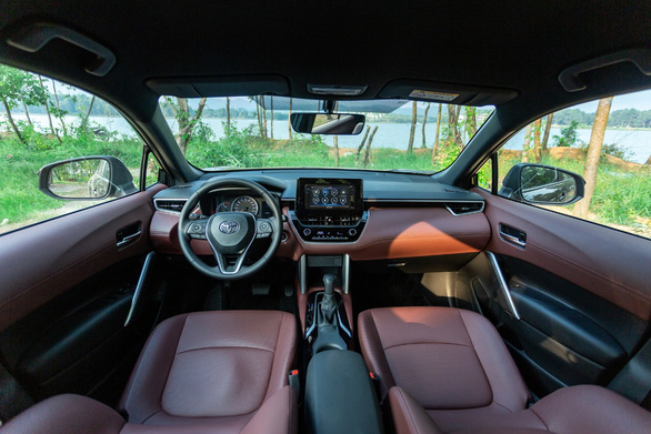 Toyota Corolla Cross bản tiêu chuẩn 1.8G: đáng 'đồng tiền bát gạo'? - Ảnh 3.