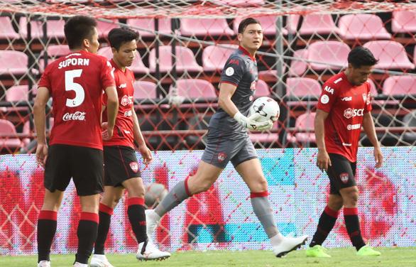 Hôm nay, Thai League trở lại: Văn Lâm sẽ bắt chính cho Muangthong United? - Ảnh 1.