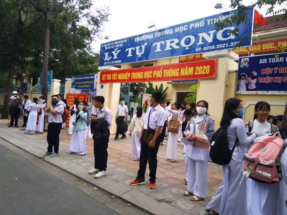 Khánh Hòa yêu cầu công khai các khoản thu lên website trường - Ảnh 1.