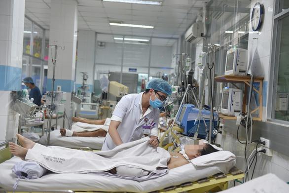 TP.HCM phát hiện bệnh nhân thứ 10 ngộ độc patê Minh Chay - Ảnh 1.