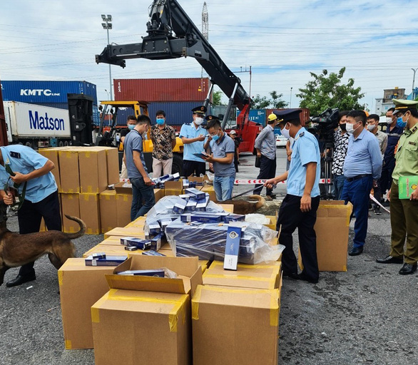 Over 1 million bags of fake cigarettes under the brand name 555 - Photo 2.
