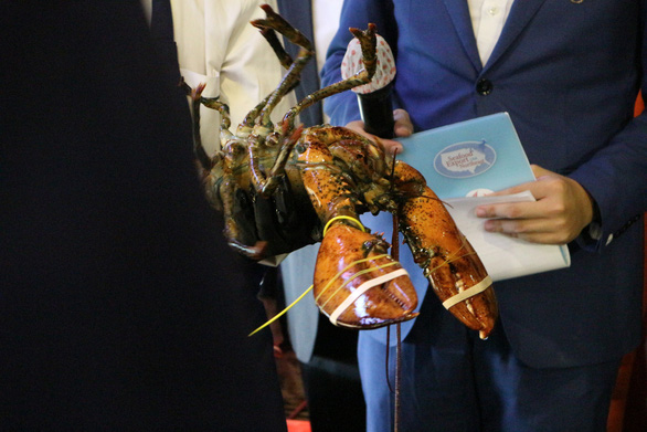American agricultural counselor to Vietnam to make lobster with US - Vietnamese taste - Photo 2.