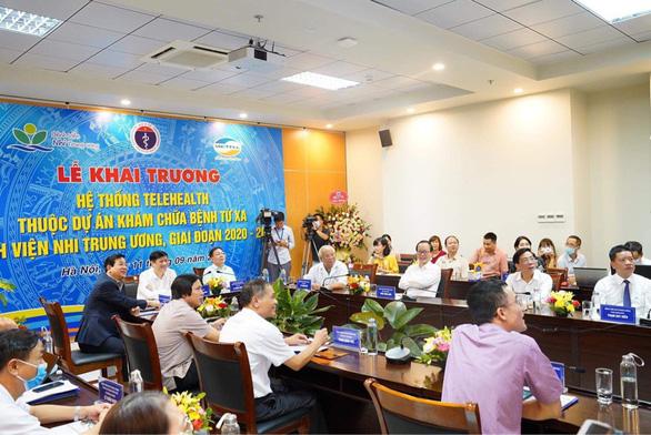 Ngồi ở Hà Nội, khám bệnh ở đảo Cô Tô, Phú Thọ... - Ảnh 1.