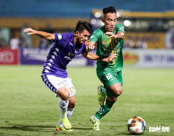 Thua Hà Nội FC 0-7, HLV Cần Thơ nói giống trận đá tập - Ảnh 1.